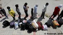 Indien Wanderarbeiter verlassen Neu Delhi wegen der Corona Pandemie