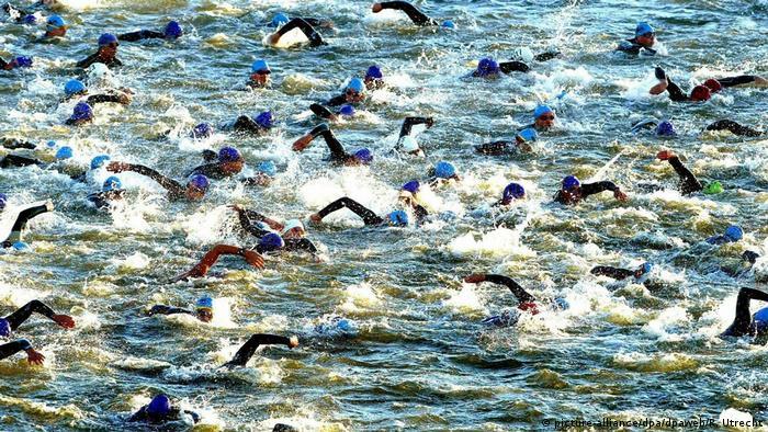 Niederlande Triathlon Frauen in Almere (picture-alliance/dpa/dpaweb/R. Utrecht)