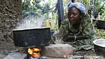 Kochen auf Holzfeuer