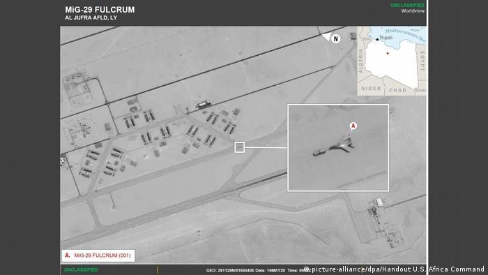 Handout U.S. Africa Command zeigt russischen Kampfjet Libyen