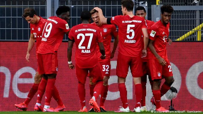 Deutschland Bundesliga | Borussia Dortmund - FC Bayern München | Torjubel (0:1) (picture-alliance/dpa/F. Gambarini)