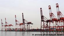 Japan Containerhafen von Kobe | Deglobalisierung Symbolbild