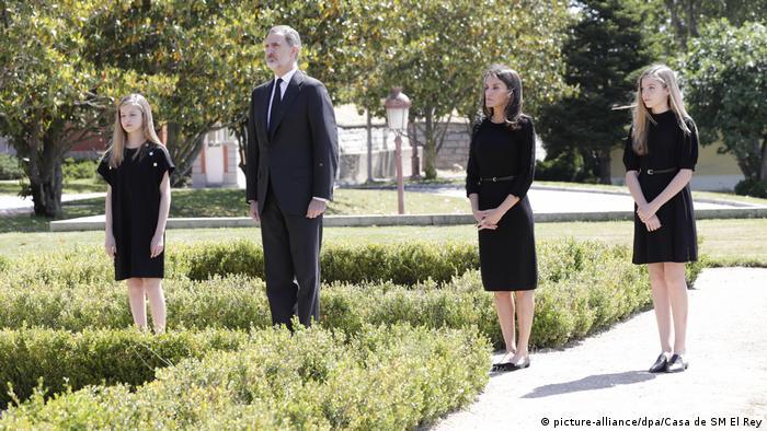 Хвилина мовчання за жертвами COVID-19 у Іспанії