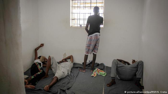 Libya'daki kamplarda tutulan sığınmacılar