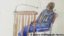 ARCHIV - 20.05.2020, Frankreich, Paris: Diese am 20. Mai 2020 angefertigte Gerichtszeichnung zeigt Felicien Kabuga, mutmaßlicher Drahtzieher des Völkermords in Ruanda, der zum Schutz gegen die COVID-19-Pandemie eine Gesichtsmaske trägt, vor dem Pariser Berufungsgericht. Der 84-jährige Kabuga muss am 27. Mai vor einem Pariser Gericht erscheinen. Bei der Anhörung geht es um seine mögliche Auslieferung an ein internationales Tribunal in Den Haag, das die letzten Fälle der UN-Tribunale zu Ruanda und Ex-Jugoslawien abwickelt. Foto: Benoit Peyrucq/AFP/dpa +++ dpa-Bildfunk +++ |