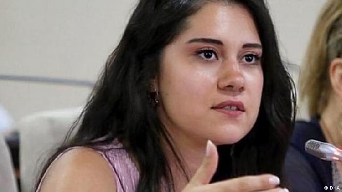 CHP'li Karabağlar Belediye Meclis Üyesi Dila Koyurga