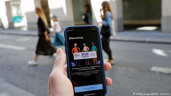 Frankreich Paris   Coronavirus   App StopCovid