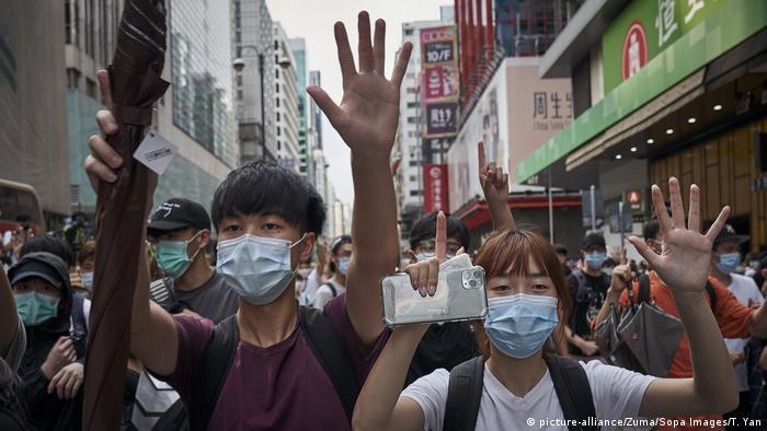 Hongkong & Sicherheitsgesetz China |Protest (picture-alliance/Zuma/Sopa Images/T. Yan)