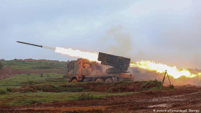 China Raketenwerfer (picture-alliance/dpa/Z. Zhengju)