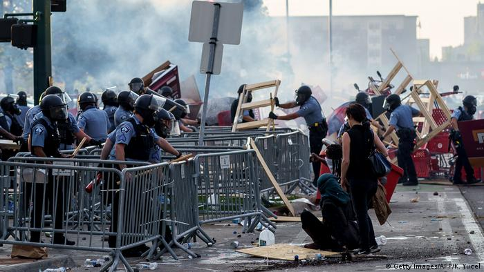 Протести в Минеаполис