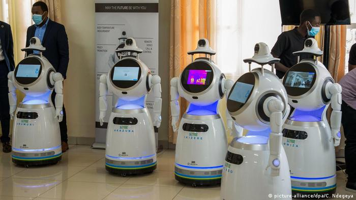 Afrika Ruanda Coronavirus Roboter Patienten