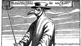 Médico com máscara para se proteger da peste, em 1656