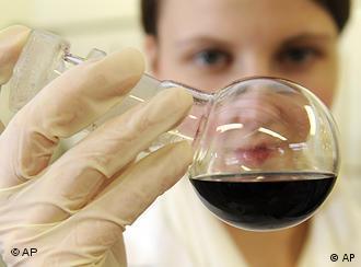 У європейських лабораторіях сертифікація - дорожча, зате без черг