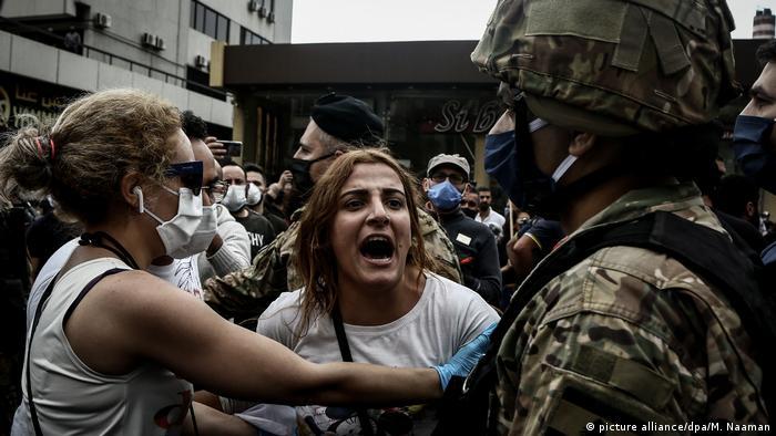 Coronavirus - Proteste in Libanon (picture alliance/dpa/M. Naaman)