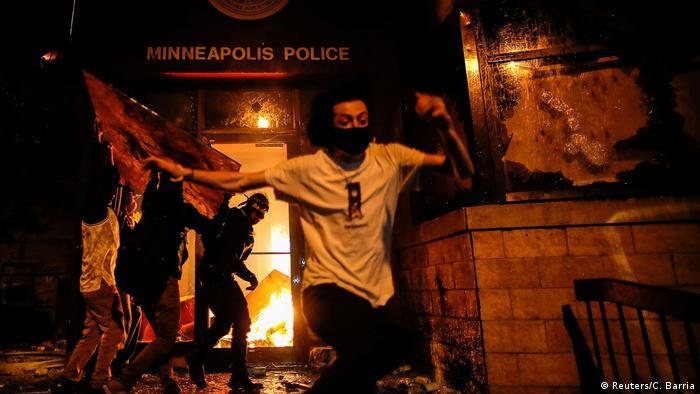 USA Minneapolis   Tod George Floyd nach Polizeigewalt   Ausschreitungen & Protest (Reuters/C. Barria)