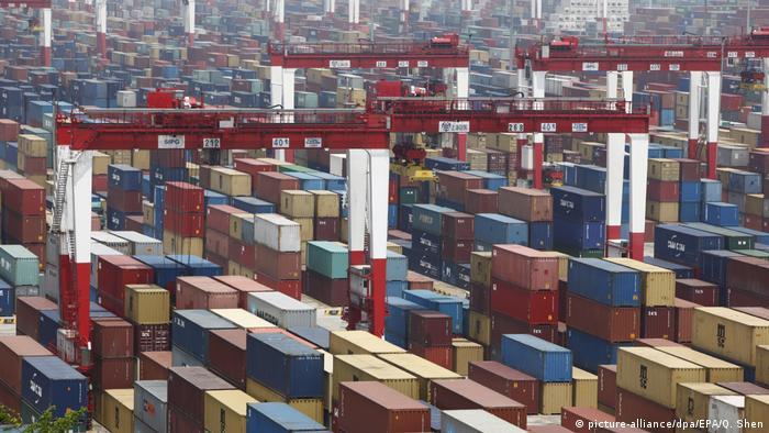 Контейнеры в порту Шанхая