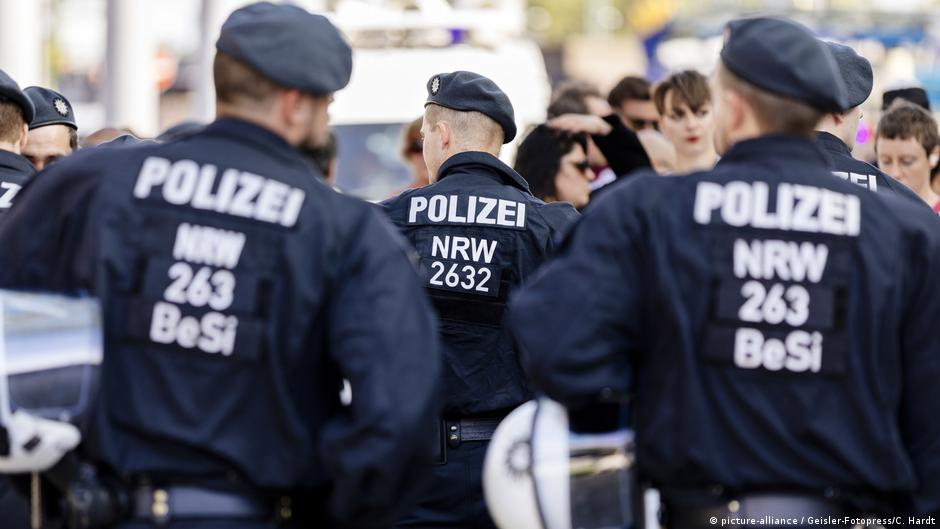 Germany: Investigations find 40 cases of extremism in police ranks