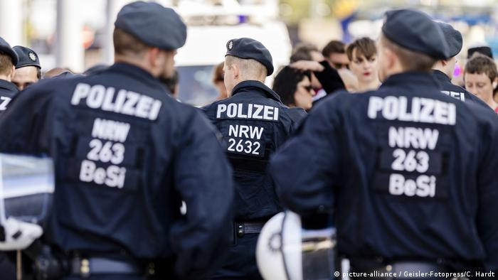 Germany's integration commissioner insists on police racism study