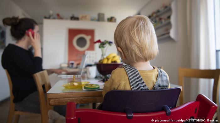 Djeca stalno u kući - majke u velikim obevezama