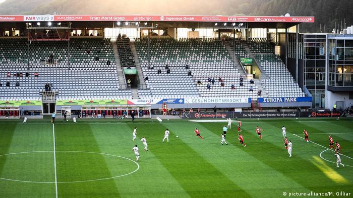 Fussball - SC Freiburg - Bayer 04 Leverkusen