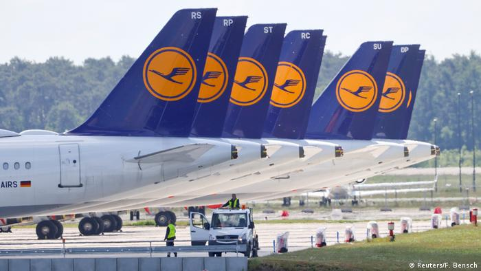 Lufthansa planes parked in Berlin (Reuters/F. Bensch)
