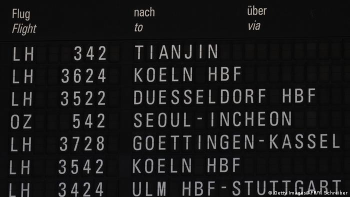 Deutschland Frankfurt am Main Flughafen | Lufthansa-Flug nach China, Tianjin (Getty Images/AFP/Y. Schreiber)