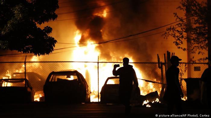 USA Minneapolis   Tod George Floyd nach Polizeigewalt   Ausschreitungen & Protest