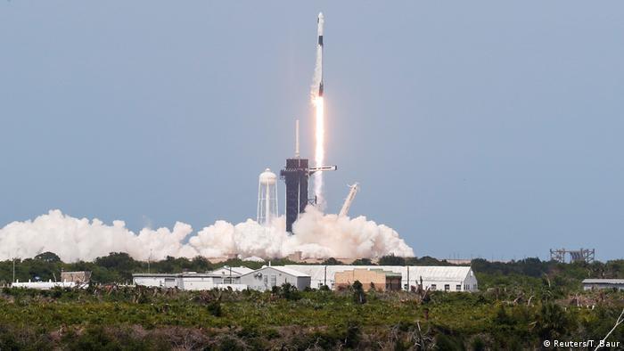 USA SpaceX Rakete mit zwei US-Astronauten von Cape Canaveral zur ISS gestartet (Reuters/T. Baur)