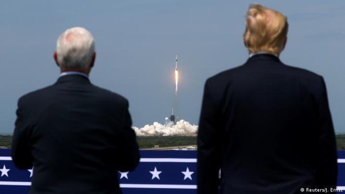 USA SpaceX Rakete mit zwei US-Astronauten von Cape Canaveral zur ISS (Reuters/J. Ernst)
