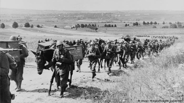 Russland Italienische Truppen mit Pferden an der Ostfront