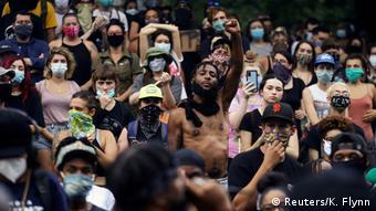 ABD polisinin ırkçı şiddeti New Orleans kentinde de protesto edildi