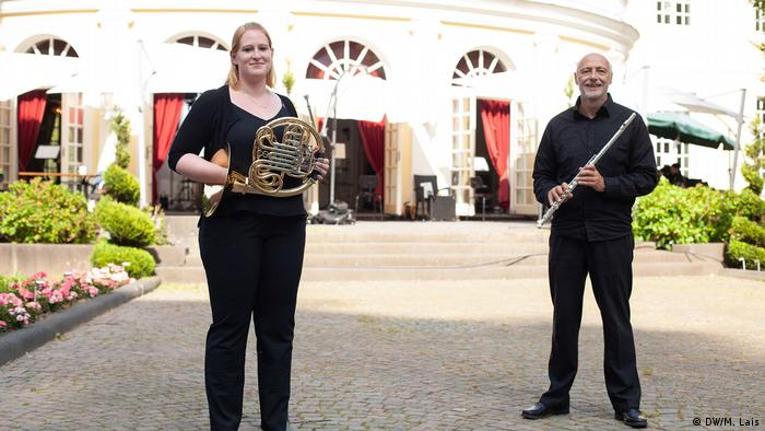 orchestra musicians Gillian Williams and Günter Valeri