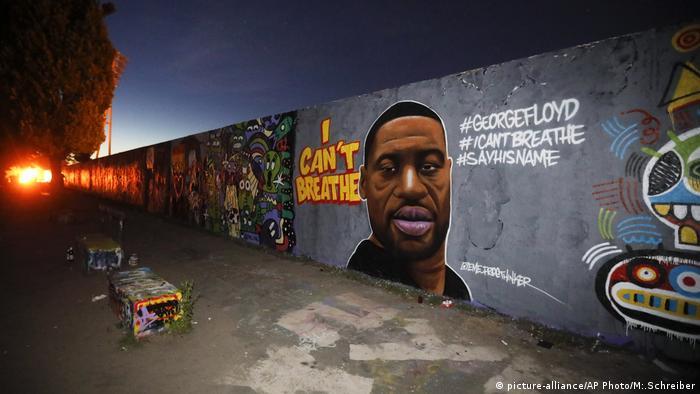 Deutschland Berlin | Graffiti mit George Floyd im Mauerpark