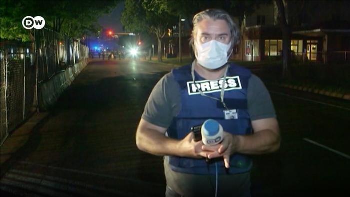 اشتفان زیمونس، خبرنگار دویچهوله در مینیاپولیس