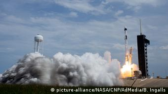 Η εκτόξευση του Space X με δύο αστροναύτες από το Κέιπ Κανάβεραλ