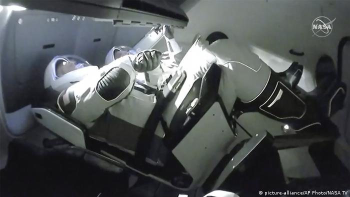 Los astronautas Doug Hurley (izquierda) y Robert Behnken (31.05.2020)