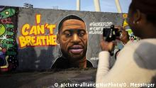 A mural of George Floyd painted by the artist eme_freethinker on a wall at Mauerpark in Berlin, Germany, May 30, 2020. The 46-year-old African-American, died on May 25, 2020 after a Minneapolis police officer, was kneeling on Floyd's neck for several minutes during his arrest. The controversial act of police brutality sparked violent demonstrations throughout the U.S with reports of riots in Minnesota, California, New-York and more. Reports also mention that Derek Chauvin, one of the police officers allegedly involved in the incident was arrested and will be charged with Third-degree murder.***ISRAEL OUT*** (Photo by Omer Messinger/NurPhoto) | Keine Weitergabe an Wiederverkäufer.