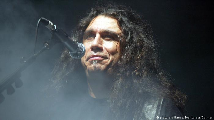 Slayer-Sänger Tom Araya 2004 (picture-alliance/Eventpress/Darmer)