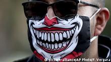 Coronavirus Kolumbien Bogota Mann mit Maske