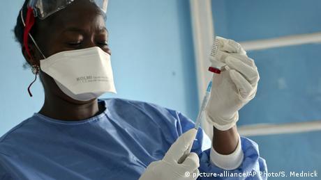 DR Kongo Mbandaka Impfstoff vorbereitet