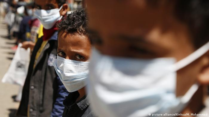 Coronavirus   Jemen Sanaa Waisenkinder mit Masken (picture-alliance/Xinhua/M. Mohammed)