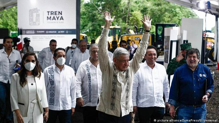 López Obrador salió de gira cuando el país se encuentra aún en el pico de la pandemia