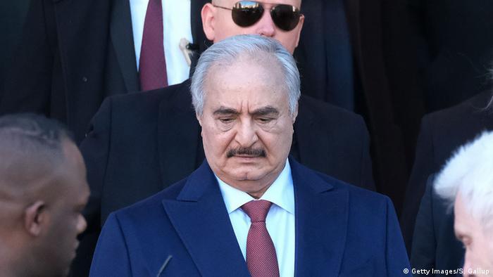 Homme fort de l'est libyen, Khalifa Haftar est soutenu principalement par la Russie, les Emirats arabes unis et l'Egypte.