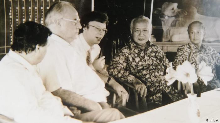Berthold Damshäuser , Indonesianis Universitas Bonn