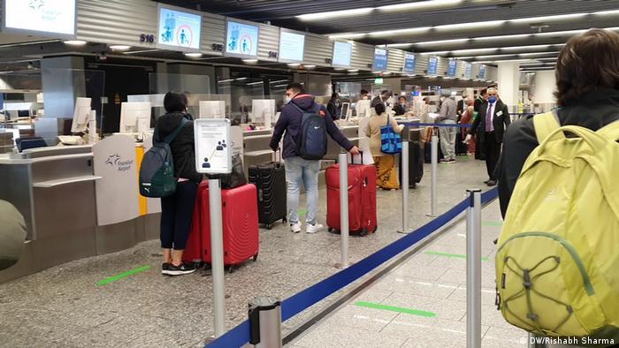 Air Indias Rückholflug von Frankfurt nach Delhi (DW/Rishabh Sharma)