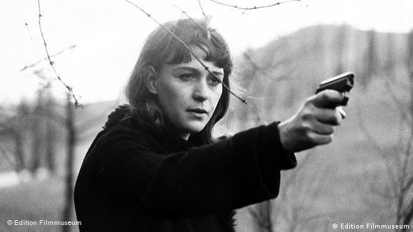 Szene aus Abschied von Gestern mit Alexandra Kluge (Foto: edition Filmmuseum)