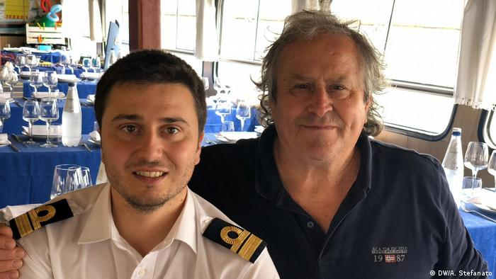 Venice tourist boat captains Nicolas Cortese and Glauco Stefanato (DW/A. Stefanato)