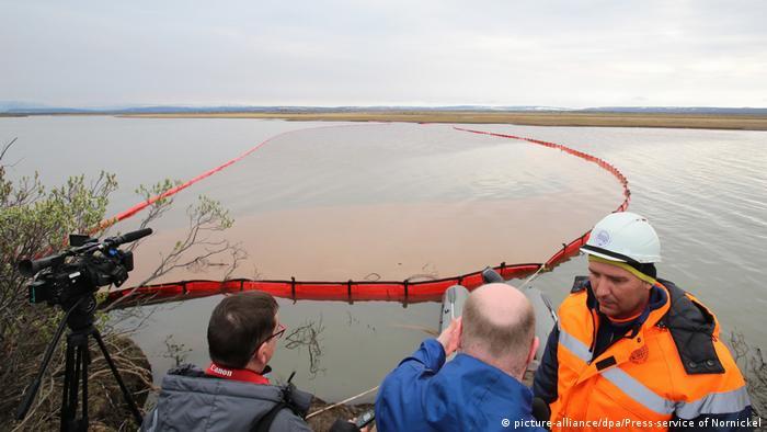El Servicio de Rescate Marino de Rusia participa en el rescate ecológico