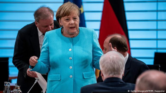 Gjermania kalon një hap përpara fqinjëve me paketën e re konjukturore, shkruan Auron Dodi.
