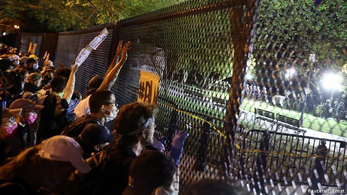 USA | Protest gegen den Tod von George Floyd in Washington (Reuters/J. Ernst)